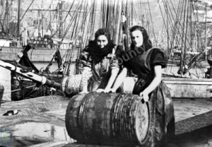 Scottish Fisher Girls at Scarborough Harbour